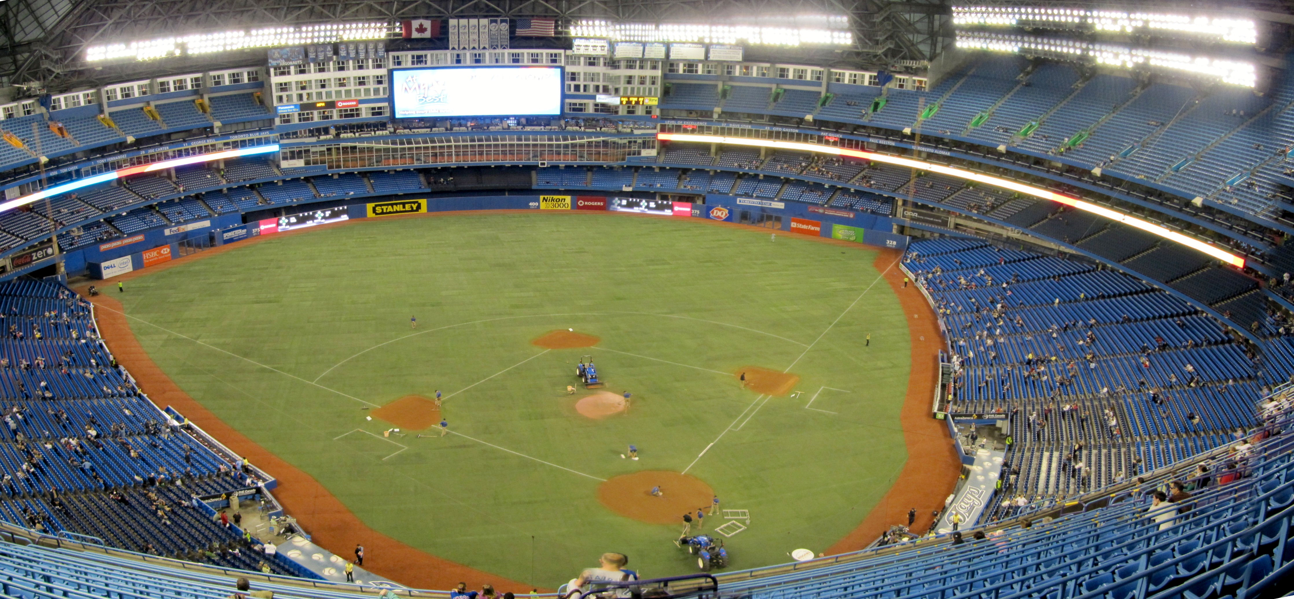 how to work at the rogers centre